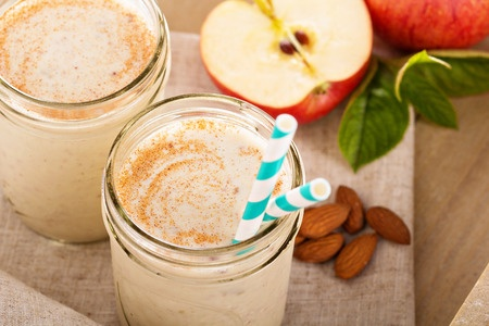 30961497 - apple banana cinnamon smoothie